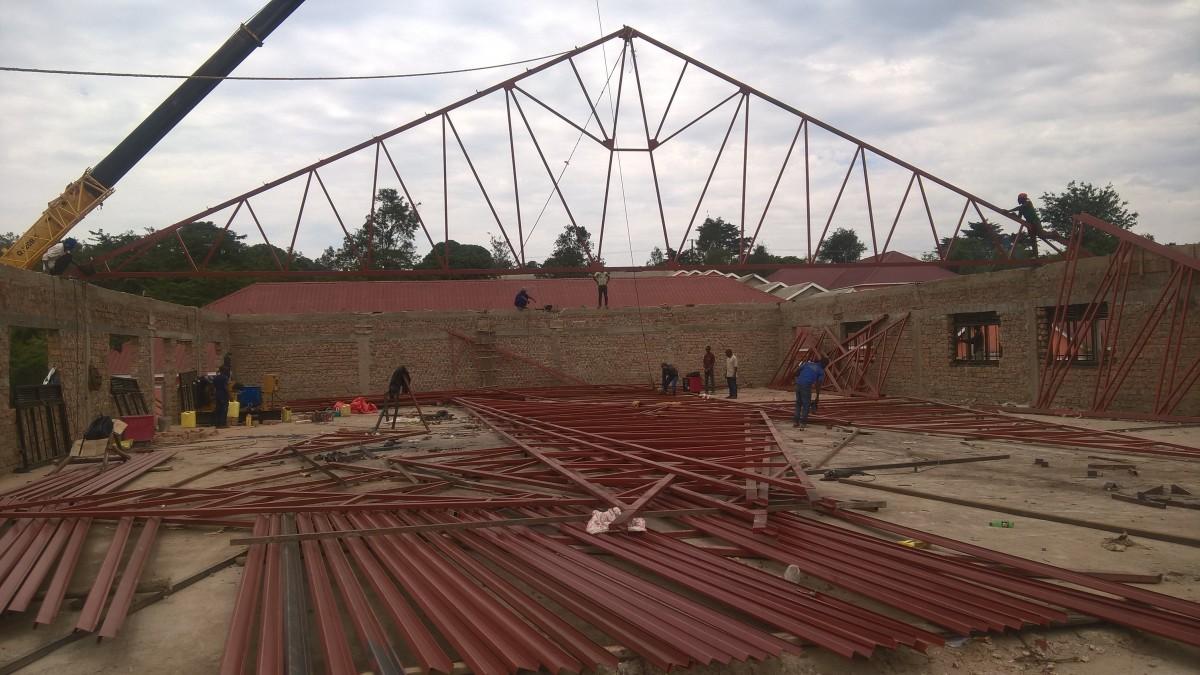Anfang vom Dachbau